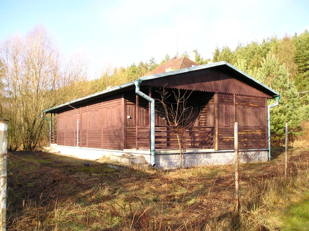 chata u reky luznice